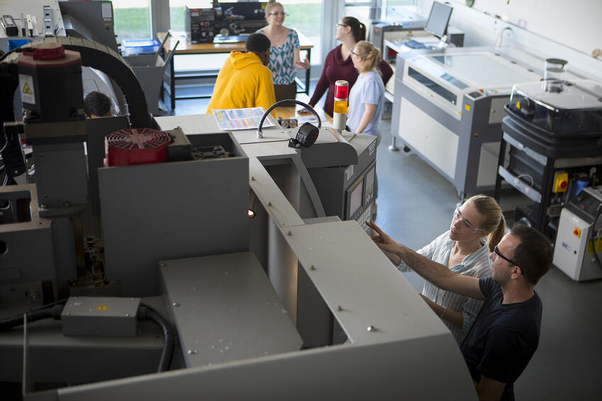 Students working in the engineering lab
